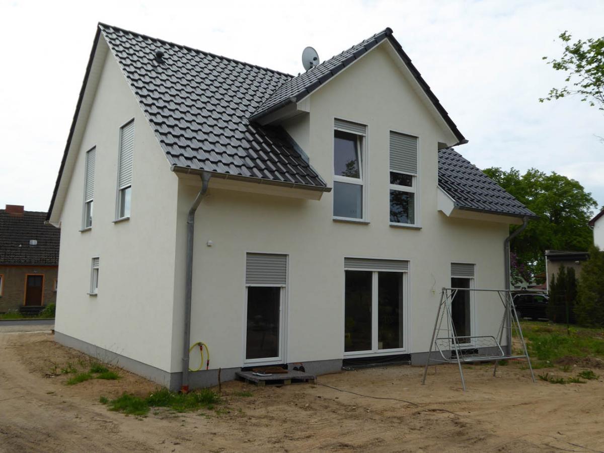 Massivhaus walmdach  IDEAL Massivhaus GmbH, massiver Hausbau im Barnim und der Schorfheide